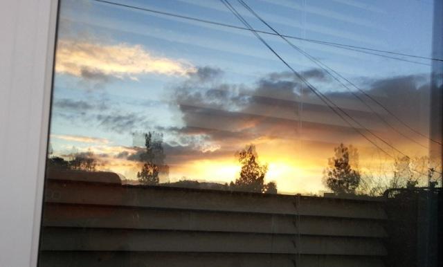 window-sunset-pamtanzey